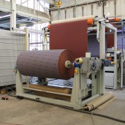 Steuerung für Schleifpapier-Bearbeitungsmaschine von staedler automation AG